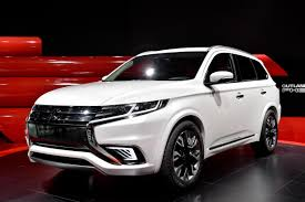 mitsubishi outlander 2016 black mitsubishi outlander phev concept s makes first appearance at