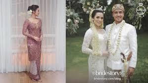 wedding dress raisa inilah taksiran harga kebaya dan gaun yang dipakai raisa menikah