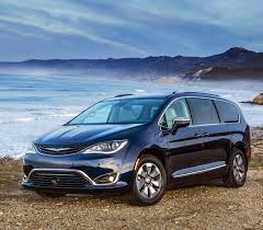 2018 chrysler pacifica hybrid minivan chrysler canada