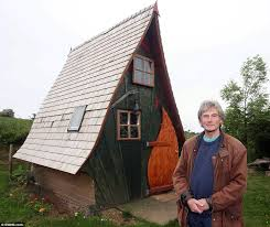 shed of the year finalist could be torn down after neighbours