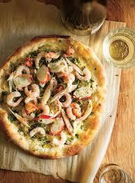 pizza aux fruits de mer et aux herbes fraîches ricardo