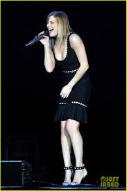 carrie underwood u0026 leann rimes country 2 country festival photo