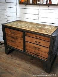 grand bureau en bois bureau metal bois grand bureau mal bureau vintage metal et bois
