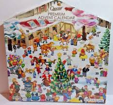 christmas advent calendar choceur 24 day christmas advent calendar with milk chocolate figures