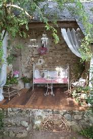 best 25 vintage outdoor decor ideas on vintage