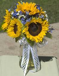 table centerpieces with sunflowers sunflower centerpiece idea joyce lauffer this makes me think of you