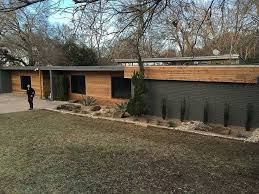 Mid Century Modern Landscaping by Best 10 Mid Century Exterior Ideas On Pinterest Mid Century