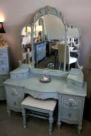 Vanity Table L Enchanting Antique White Bedroom Vanity Ideas L Antique White