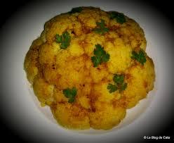 cuisiner les feuilles de chou fleur le de cata chou fleur entier rôti au beurre à l ail et aux épices