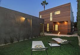 green grass in backyard home garden in los angeles home staging