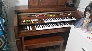 vintage yamaha electone organ model 305 with bench and music