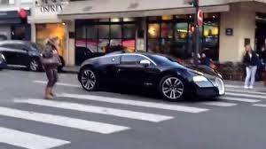 worst bugatti crashes bugatti veyron spotted in paris worst driver ever man drives