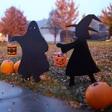 30 Best Halloween Trick Or Treats Images On Pinterest 30 Best Wooden Silhouette Images On Pinterest Silhouette