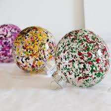 melted crayon ornaments craftgawker