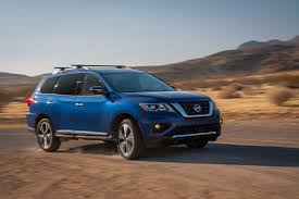 car nissan 2017 2017 nissan pathfinder first look motor trend