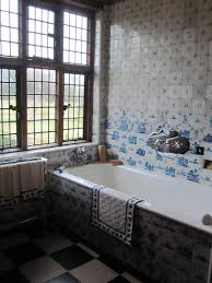 Art Deco Kitchen Design by White Ceramic Tile On Traditional Home Bathroom Design Ideas With