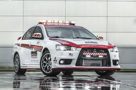 evolution mitsubishi 2014 2014 mitsubishi outlander named official safety car for pikes peak