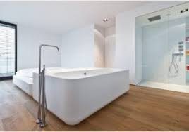len badezimmer holzboden für badezimmer enhance erster eindruck holzboden im