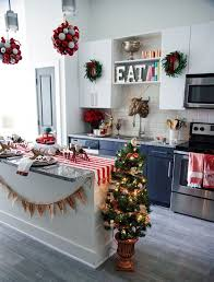 Small Apartment Decor Ideas Best 25 Apartment Holiday Decor Ideas On Pinterest College
