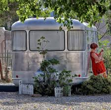 in arizona vintage trailer court takes tourists back to 1950s