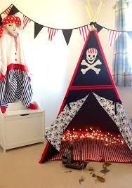 chambre de petit gar n tente de jeu de wigwam enfants pirate tipi avec jolly roger crâne