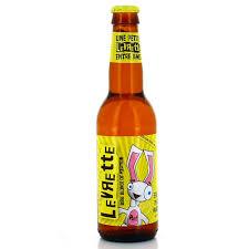 levrette sur canapé bouteille de biere levrette