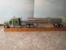 kenworth w900 model truck kenworth w900 72 u2033 sleeper green w brenner sanitary tanker 1 64
