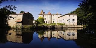 chambres d h es clermont ferrand chateau des martinanches visite du château et chambres d hôtes à