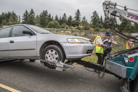 towing with honda accord high speed on i 5 ends near lynnwood with 1 arrest the