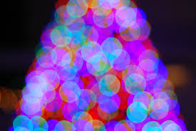 how to take pictures of holiday lights that actually look awesome