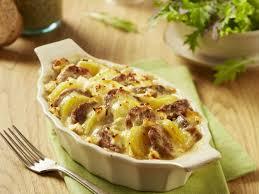 cuisiner andouillette gratin d andouillette et pomme de terre au four recettes femme
