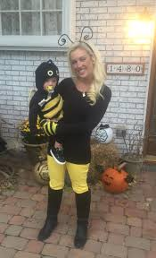 simple mother and son costume color matching bumble bees