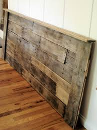 Pallet Wood Headboard Upcycled Pallet Headboard This Is Really Pretty And I M