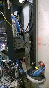 How To Organize Cables On Desk by Solved How To Best Clean Up A Server Room Cabling Mess