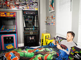 nyc gamer turns bedroom into retro arcade loses fiancee u2013 sick