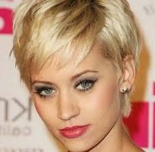 coupe de cheveux court femme 40 ans coupe cheveux tres courts femme tendance choisir sa coiffure