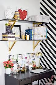 Home Office Ideas For Small Spaces by Best 25 Small Office Decor Ideas Only On Pinterest Workspace