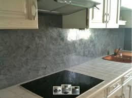 peindre carrelage cuisine plan de travail repeindre meubles cuisine et faire crédence en chaux ferrée