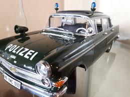 opel kapitan 1960 diecast opel kapitän p2 u0027polizei u0027 modelcar revell 1 18 in green