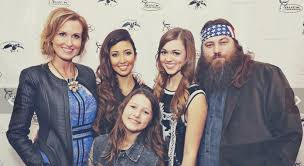 did you see duck dynasty duck dynasty willie sadie robertson share emotional reactions to