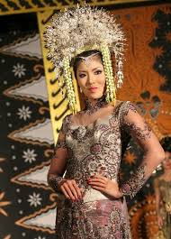 indonesian brides wedding headpieces from around the world native and posh weddings