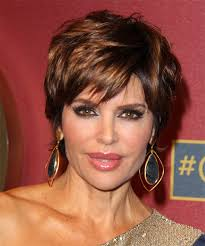 hairdresser for rinna lisa rinna short straight formal hairstyle with side swept bangs