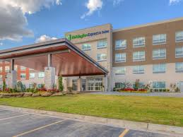 Blue Haven Pools Tulsa by Holiday Inn Express U0026 Suites Tulsa Midtown Hotel By Ihg