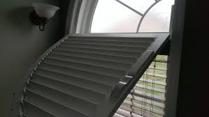 Battery Operated Window Blinds Window Coverings Motorized Batteryred Shades Blinds And Blind Mice