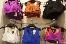 Menjual Seluar Perempuan butik h m malaysia di lot10 kuala lumpur dibuka 22 september 2012