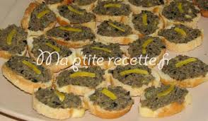 canapes aperitif canapés à la tapenade recette apéritif anchois et canapés