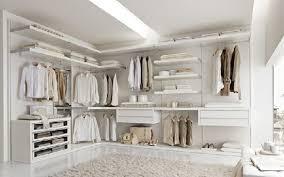 attrezzare cabina armadio la cabina armadio soluzione utile e intelligente per il guardaroba