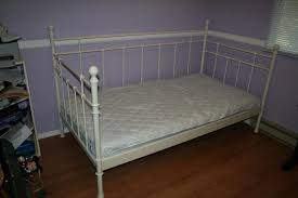 White Metal Daybed Bedroom Wonderful White Metal Frame Daybed With Single Mattress