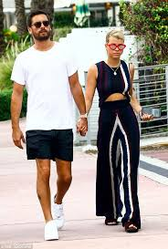 Make Up Classes In Miami Scott Disick And Sofia Richie Hold Hands In Miami Daily Mail Online