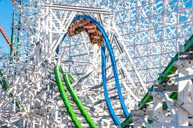 Is Six Flags Open On Christmas Six Flags Flying High With Jim Reid Anderson Blooloop
